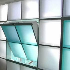 Стеклоблоки и стеклянные кирпичи